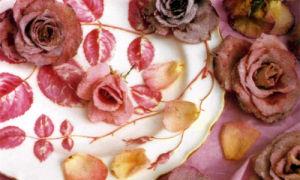 Глазированные лепестки роз
