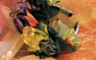 Ободок для волос с ленточным бантом в виде роз