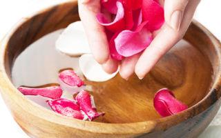 Паровая ванна для лица и тоники из розы и ромашки