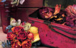 Бутоньерка из сухих роз и яблок